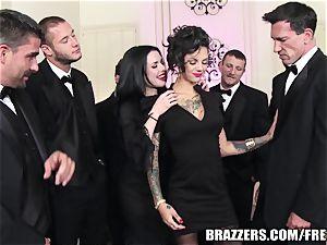 Brazzers - Veronica & Bonnie - six stud group sex